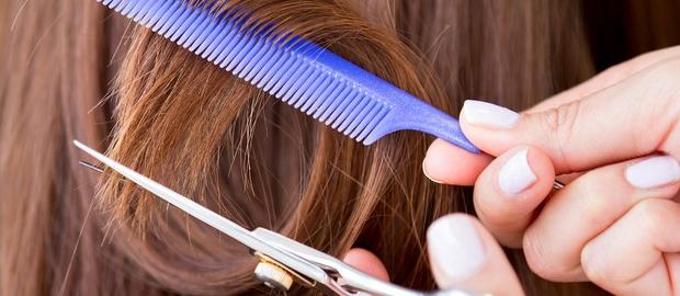 A importância de ir ao cabeleireiro frequentemente